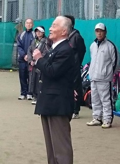 16東村山テニス講習会体育協会朝岡会長挨拶.jpg