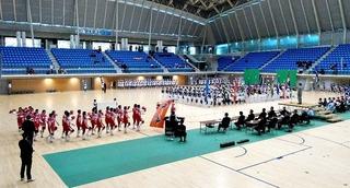 6.体育館での開会式選手の行進.JPG
