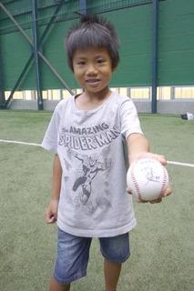 お楽しみ抽選会★プロ野球選手のサインボールをゲット�D.JPG