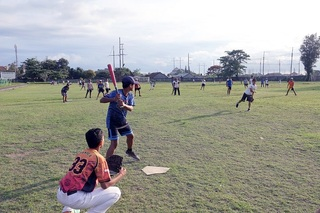 バリ州サヌールウィサタ中学生野球教室.JPG