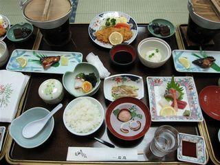 ホテル石庭での豪華な夕食.JPG