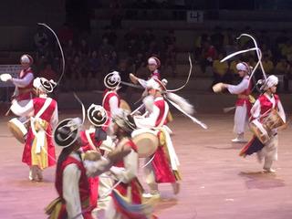 開会式での安城市の民族舞踊2.JPG